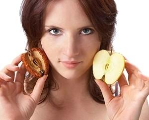 Яблочный пилинг: польза и действие