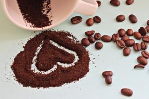 Кофейный пилинг: польза и действие