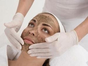 Чистка или пилинг лица: механическая, физическая, химическая