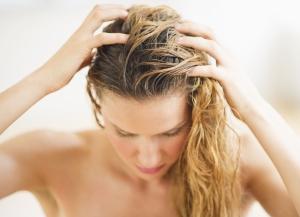 Пилинг для волос: польза и действие процедуры