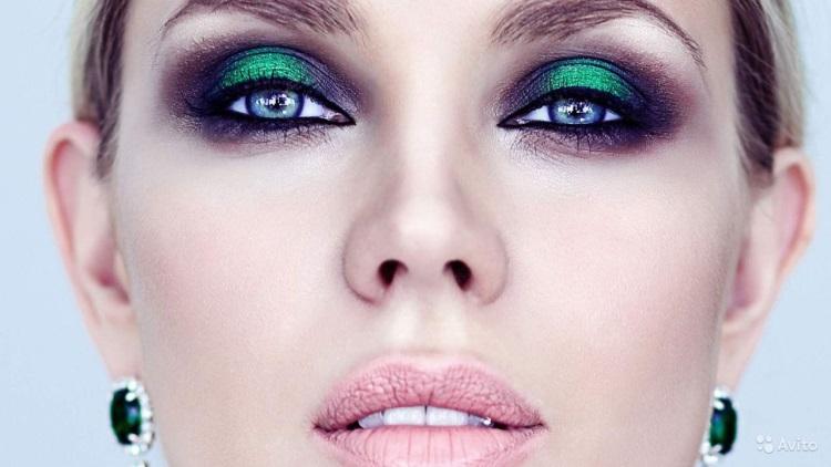 Как правильно накрасить голубые глаза тенями