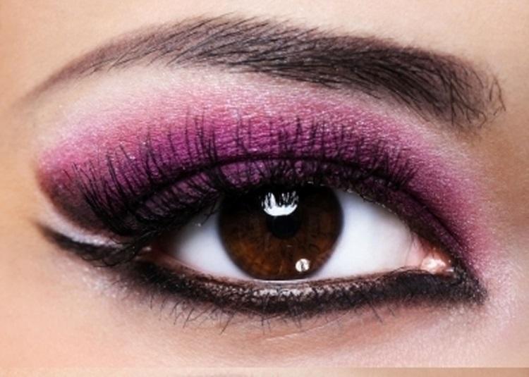 Карие глаза: лиловые тени