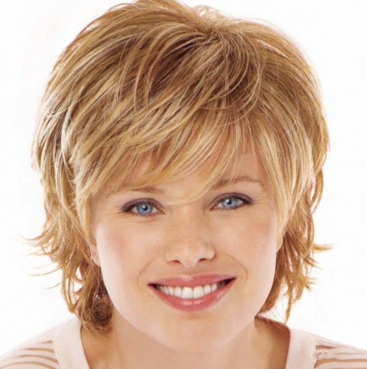 Классический каскад: стрижка на короткий волос