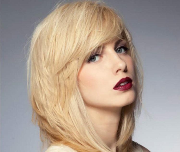 Каскад: как постричь волосы до плеч с челкой
