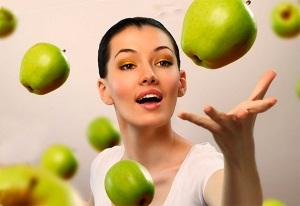 Показания к применению и эффективность масок для лица из яблок