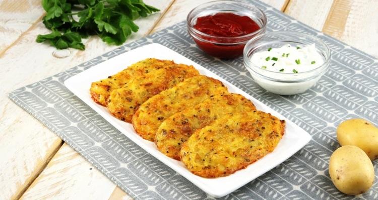 Картофельные драники: как приготовить с сыром