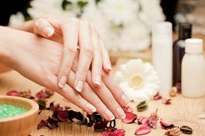 Каким должен быть уход за ногтями осенью