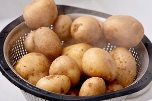 Картофельные маски для лица, рецепты и эффективность