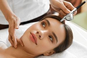 Действие газожидкостного пилинга для кожи головы и волос
