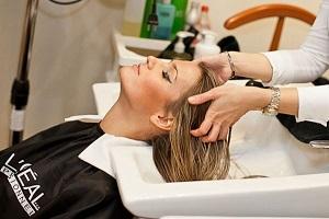 Как проводится газожидкостный пилинг кожи головы