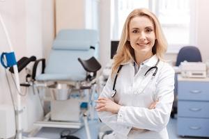 Женщина доктор на рабочем месте