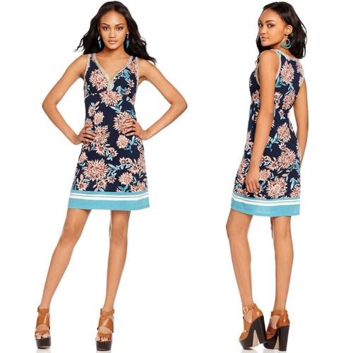 Платья в цветочек модно