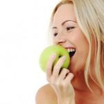9 причин съедать одно яблоко в день.