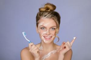 Маска от прыщей в домашних условиях: рецепт с зубной пастой