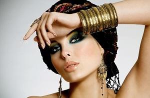 Как сделать восточный макияж для карих глаз своими руками