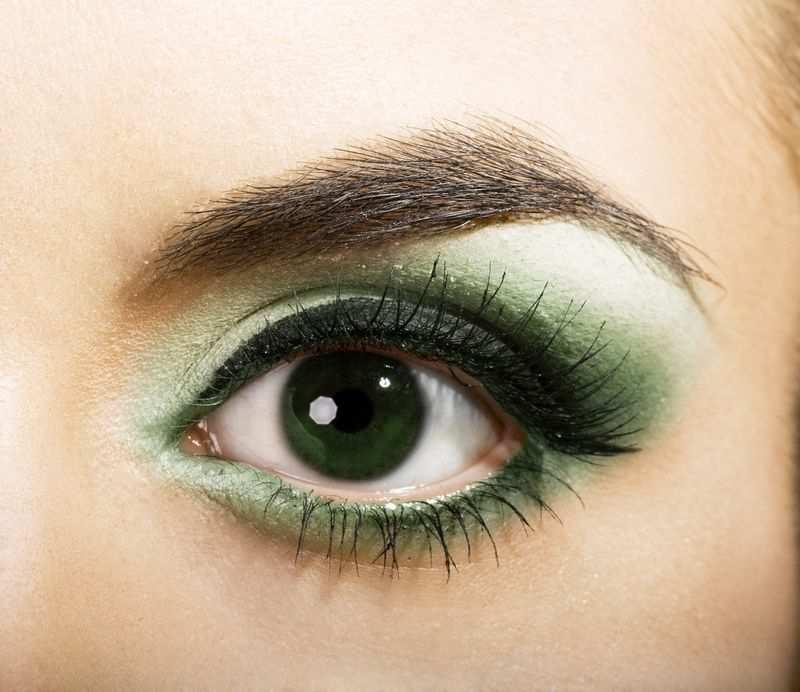 макияж в травяных оттенках для больших зеленых глаз