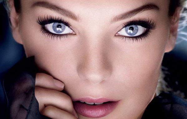 Идея макияжа для голубых глаз