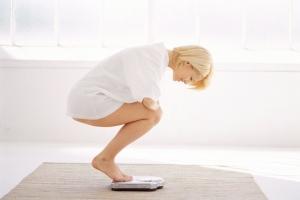 Как избавиться от растяжек в домашних условиях: профилактика появления стрий