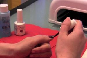 Как правильно наносить шеллак на ногти?