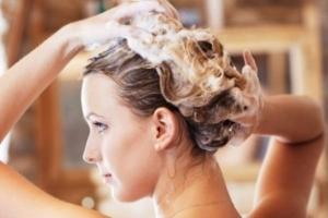 Способы ухода за русыми волосами с мелированием