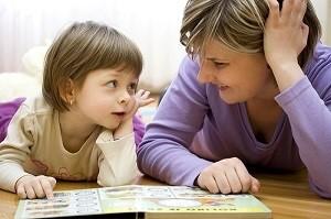 Как научить ребенка читать и в каком возрасте лучше всего начинать обучение