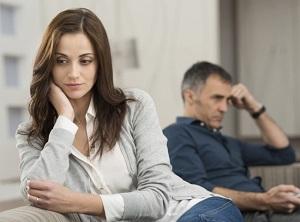 Правила поведения для женщины, если мужчина начинает игнорировать