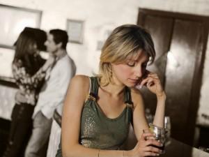 По какой причине парень может игнорировать девушку, даже если она ему нравится
