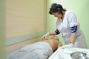 О преимуществах и недостатках лечения  болезней гирудотерапией