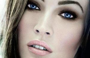 Особенности создания повседневного и вечернего макияжа для голубых глаз