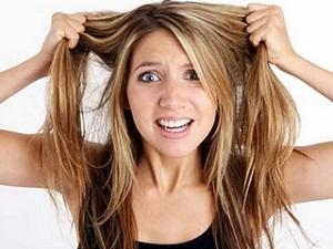 Каковы основные причины резкого выпадения волос у женщин