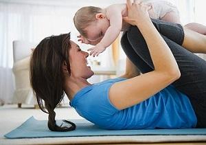 Несколько эффективных упражнений, которые помогут укрепить мышцы живота после родов