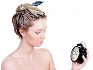 Как провести брондирование на светлые волосы в домашних условиях?