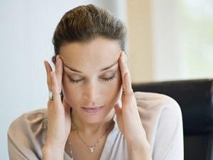 Как проявляются заболевания щитовидной железы у женщин - симптомы и признаки