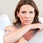 Климакс у женщин - основные симптомы и какое назначается лечение