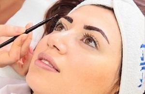 Окрашивание бровей хной - подготовка к процедуре покраски в домашних условиях