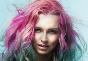 Что такое покраска волос в стиле гранж и кому она подойдет?
