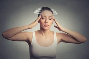 Причины и виды головокружения при нормальном давлении у женщин