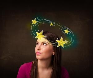 Основные причины головокружения при нормальном давлении у женщин: диеты, заболевания, беременность