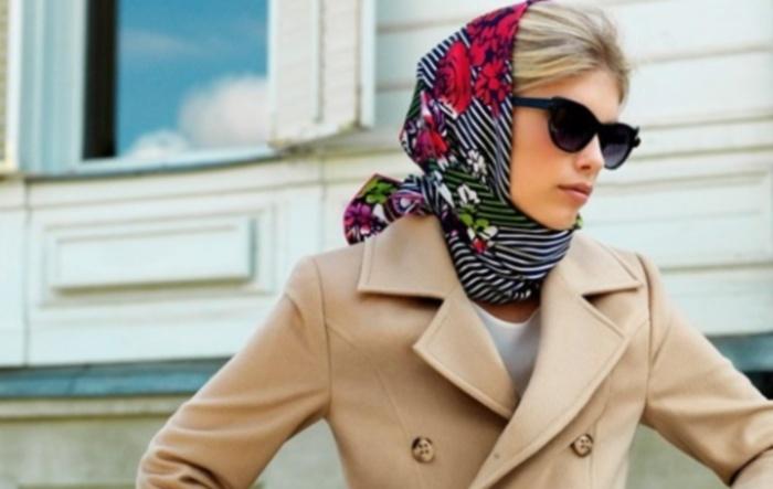 К пальто для женщин подходят разные варианты головных уборов