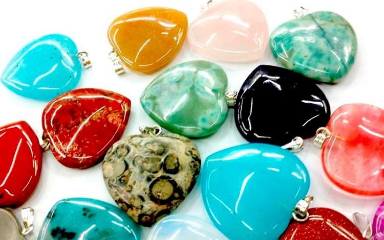 камни обереги по знаком зодиака