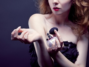Пудровые ароматы духов для женщин - какие из них считаются самыми популярными