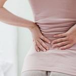 Основные причины, от чего болит поясница у женщин