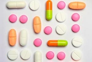 Чем лечить геморрой у женщин: медикаментозные лекарственные средства
