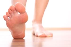 Ортопедическая обувь для женщин при вальгусной деформации стопы: при плоскостопии