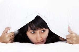 Каковы основные причины ночной потливости у женщин, чего нельзя делать?