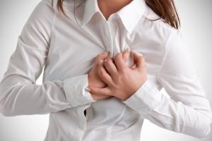 Гипертиреоз у женщин: основные симптомы и лечение, последствия