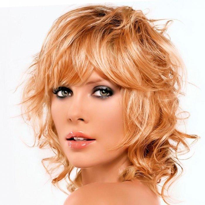 Перьевое окрашивание светлых волос