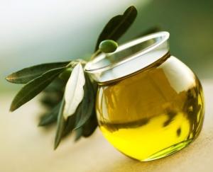 Маска для волос с оливковым маслом и медом: особенности применения