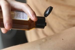Масло чайного дерева для волос: противопоказания и меры предосторожности