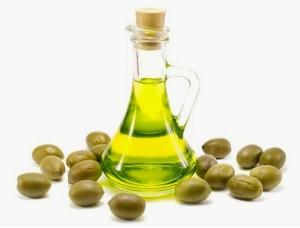 Маска для волос с оливковым маслом и медом: как работает средство?